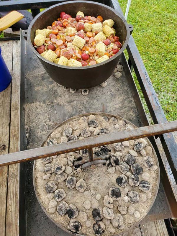 Maca 22 inch Dutch Oven
