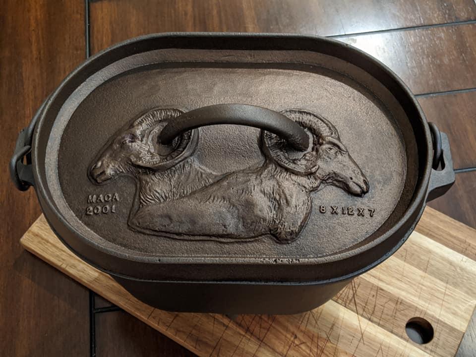 Maca 8″ x 12″ x 7″ Oval Camp Cast Iron Dutch Oven 8 qt